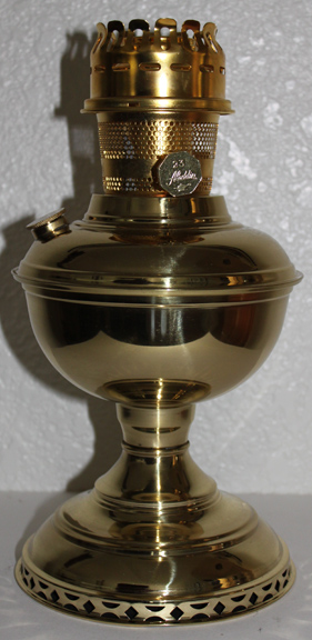 Aladdin model 23 Deluxe table lamp
