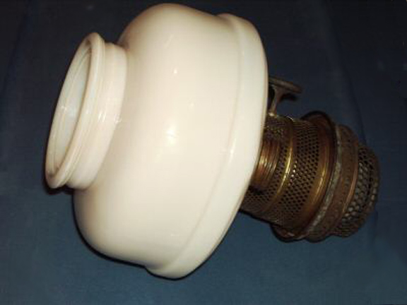 Aladdin model B ring foot lamp side view